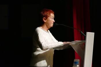 Conxita Peral durant la seva intervenció en la sessió del Fòrum Educatiu de la setmana passada (foto Alfred Dot).